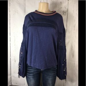 Free people oversize top crochet sleeves small
